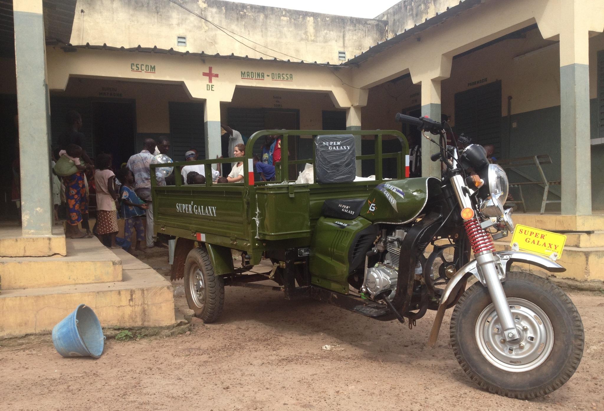 Ein Motorrad für Madina Diassa