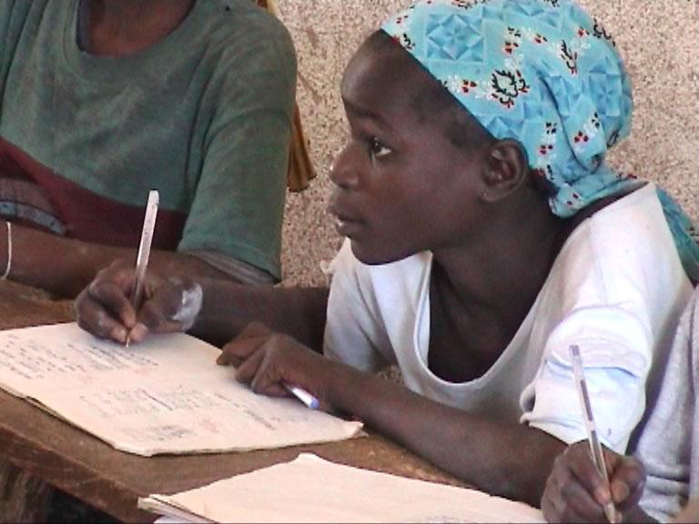 Eine aufmerksame Schülerin